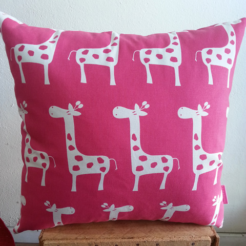 GiraffesPink-Small 2