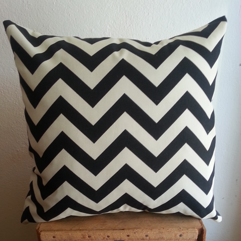 OUTDOORBlackChevron Small 3 Medium 3 Large 2